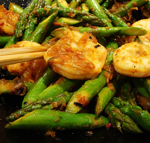 Prawn & Asparagus with Spicy Sauce