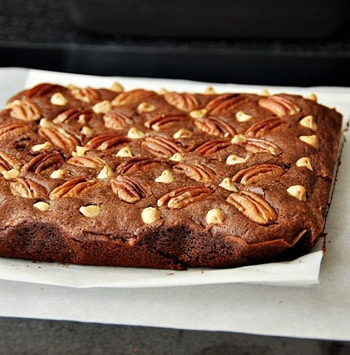 Pecan and Cranberries Brownies with White Chocolate Studs