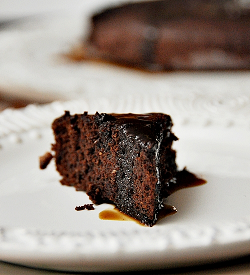 ... cake in pan for 5 minutes drizzle hot cakes with hot coffee syrup