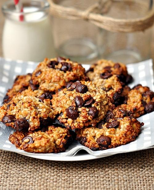 Banana, Oatmeal & Chocolate Chips Cookies - Fuss Free Cooking