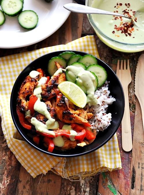 Naked Chicken Fajitas Bowl With Yoghurt-Avocado Sauce
