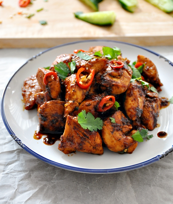 Thai style garlic chicken fuss free cooking i go through phases when it comes to cooking there was a week that all i cook was indian and the other was italian as evident on my blog lately forumfinder Choice Image
