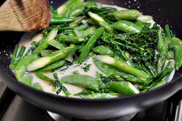 Thai Green Curry with Sugar Snaps, Asparagus & Broccolini a7