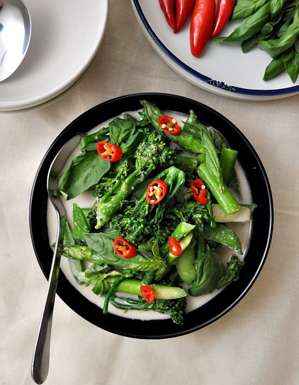 Thai Green Curry with Sugar Snaps, Asparagus & Broccolini