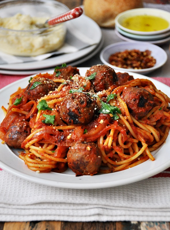 Simple Dinner for Two: Spicy Tomato & Red Wine Meatballs a1