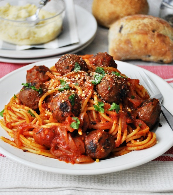 Simple Dinner for Two: Spicy Tomato & Red Wine Meatballs a4