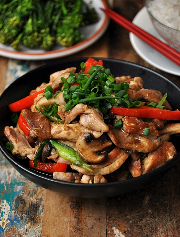 Three mushroom ginger chicken fuss free cooking three mushroom ginger chicken forumfinder