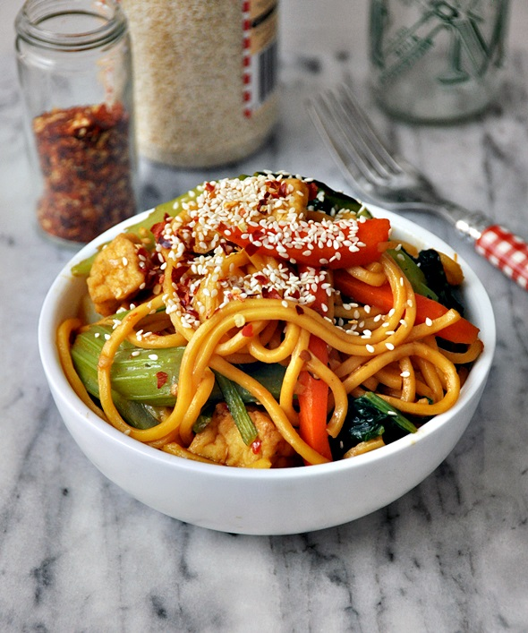 Sweet Chilli & Hoisin Tofu & Vegetables Noodles a2
