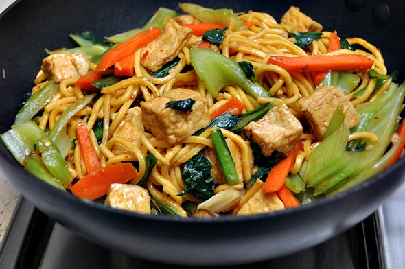 Sweet Chilli, Hoisin, Tofu & Vegetables Noodles - Fuss Free Cooking