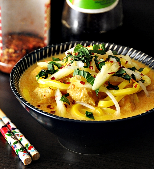 My Cheat Days: Laksa with Tofu Puffs & Bean Sprouts