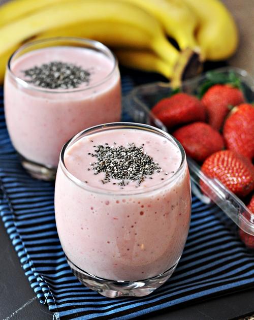 Banana, Strawberry & Chia Seeds Smoothie
