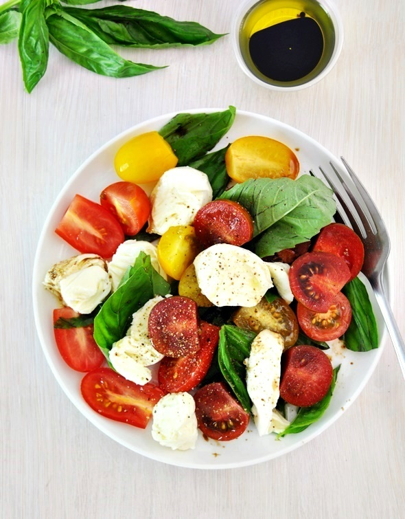 [Recipe] Classic Caprese Salad with Bocconcini