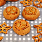 4-Ingredient Peanut Butter & Pretzel Cookies