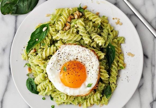 Broccoli Pesto Pasta | www.fussfreecooking.com