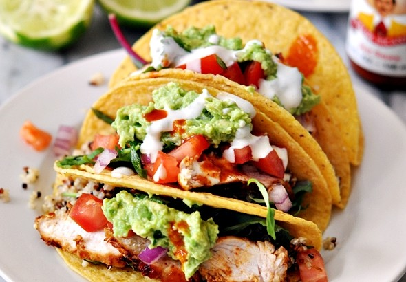 Grilled Chicken & Avocado Taco with Garlic-Yoghurt-Tahini Sauce