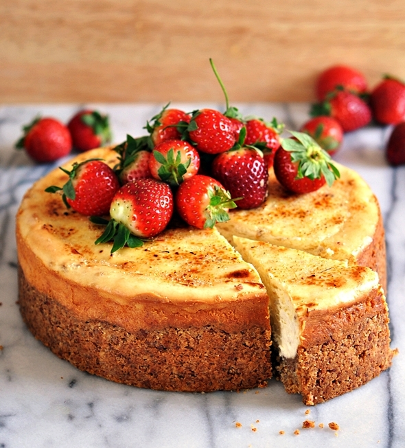 Gluten Free Banana Cheesecake (With Almond Meal Crust)