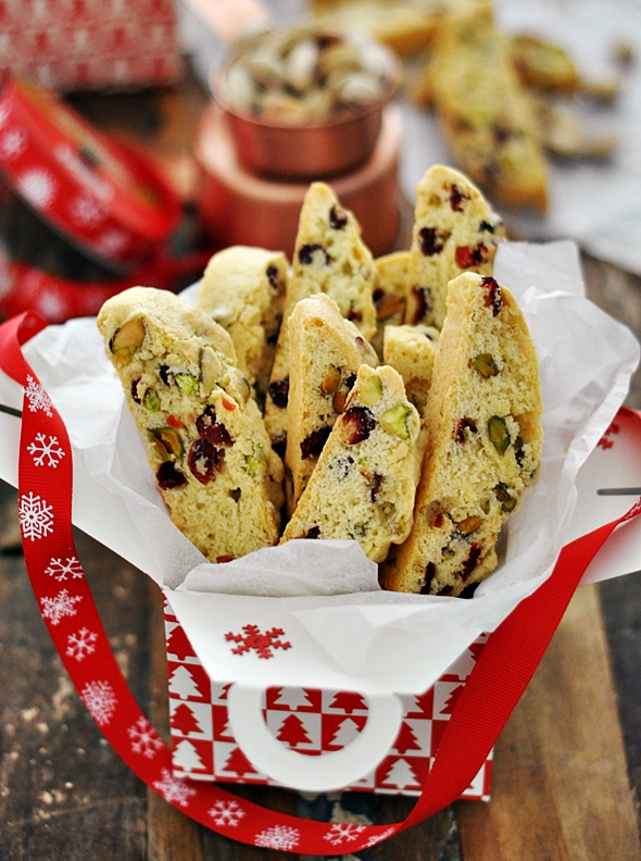Edible Gift | Cranberry Pistachio Biscotti - Fuss Free Cooking