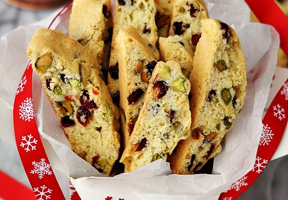 Edible Gift | Cranberry Pistachio Biscotti | www.fussfreecooking.com
