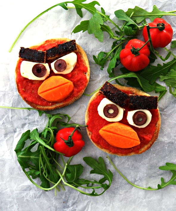 Angry Birds Toasts (Meet Red) – Inspired by Pan Con Tomate (Spanish Style Tomato Bread) – Video Incl