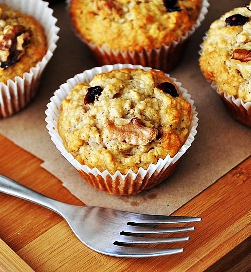 Brekkie Idea: Banana, Oatmeal Cranberry Muffins