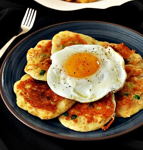 Cheesy Cornflakes Pancakes