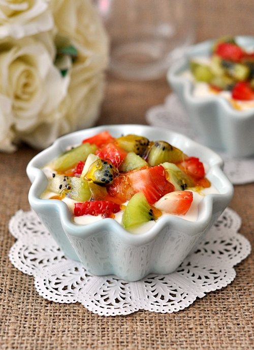 "Cheat ""Creme Brulee"" with Fruits & Yoghurt"