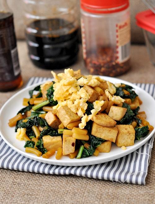 Kale & Tofu Chow Mac