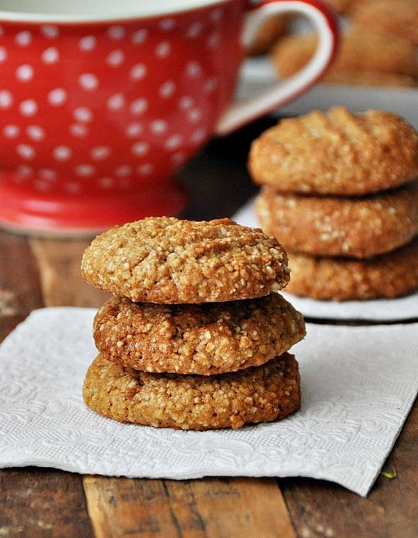 Flourless Peanut & Macadamia Cookies & The KitchenAid Food Processor Winner!