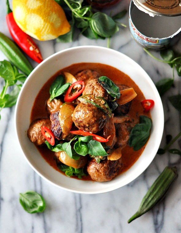 [Recipe] Thai Red Curry with Grilled Lemon Spiced Lamb Meatballs & Okra
