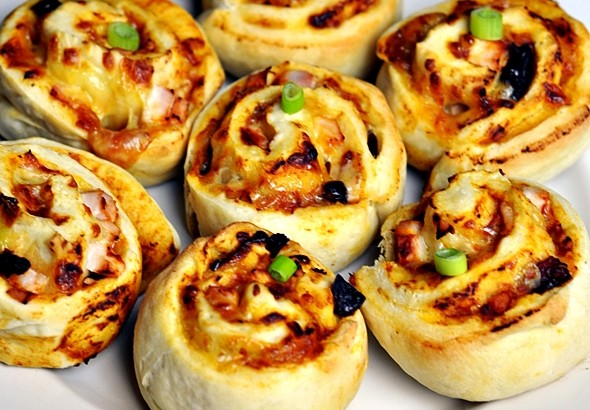 Pizza Scrolls with Smoked Chicken & Craisins (My Lunch Box Favourite!)