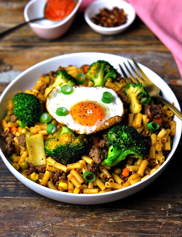 Beef & Broccoli Chow Mac with Edgell Plus One Vegetables