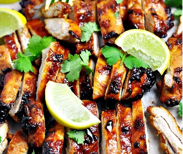 5-Ingredient Garlic Sriracha Grilled Chicken